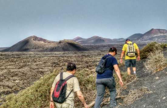 Wandelen in het maanlandschap van Lanzarote